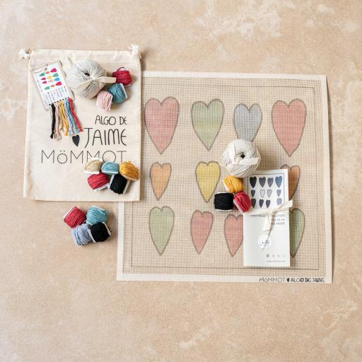 Corazones Kit Petit Point Hecho a Mano We are Knitters Hand Made Algo de Jaime - Foto Producto.jpg [1]