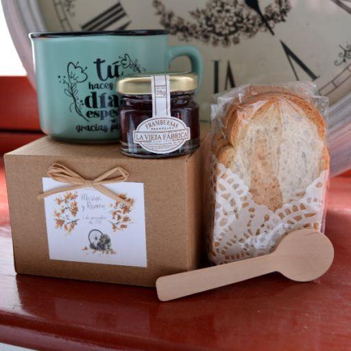 """Taza """"gracias por venir"""" con Mermelada La Vieja Fábrica mini y pan tostado"""