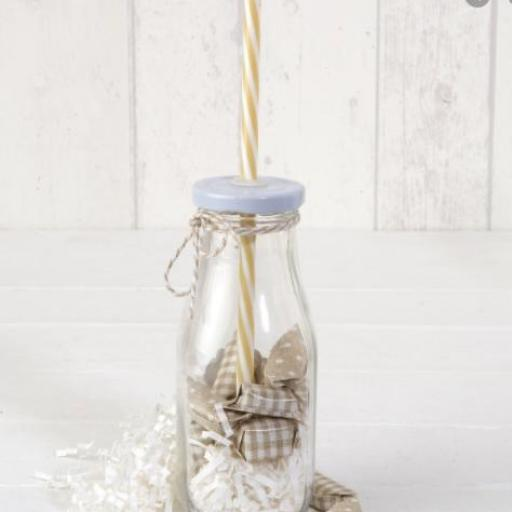 Botellita cristal caña, 12 caramelos y etiqueta personalizada