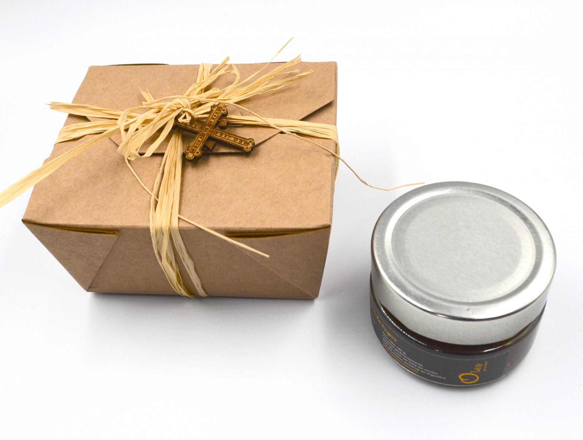 Mermelada de Peras al Ron en caja con cruz de madera