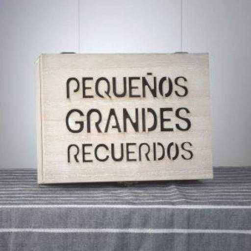 Cofre de madera para mensajes  [1]