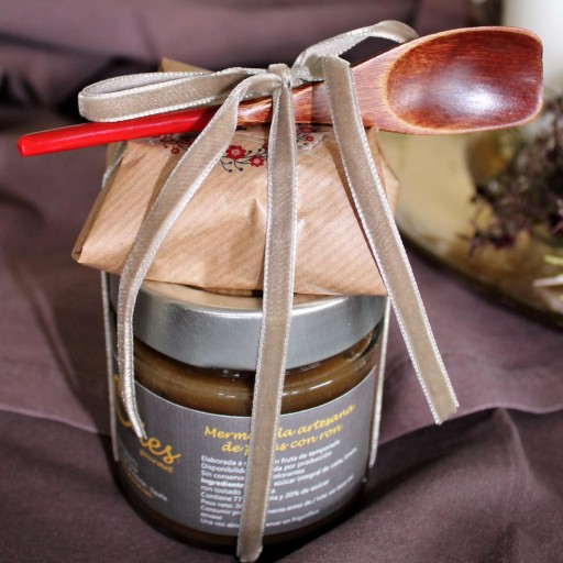 Mermelada 280 gr. + Cuchara + 4 Galletas de queso Oles Gourmet