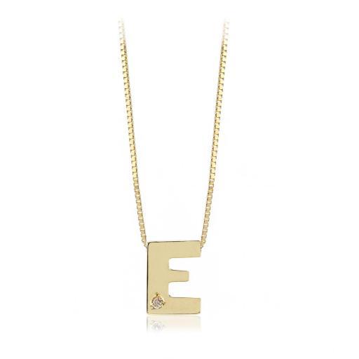 Gargantilla inicial de oro E con brillante Ref. FOD709E