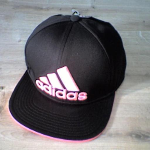 GORRA FLAT FITTED NEGRO/ROSA S20554 [1]