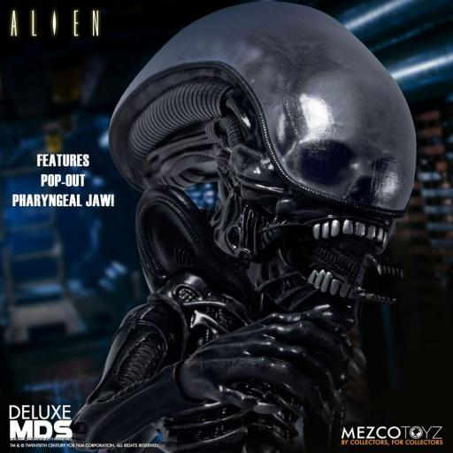 Figura Articulada Mezco Toyz Alien MDS Deluxe Xenomorph 18 cm