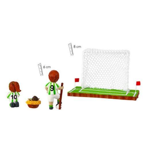 belen-futbol-equipacion-blanco-verde-tres-piezas-cesped-porteria-trasera-numero-espalda-javier-18-454-1-lomejorsg.jpg [2]