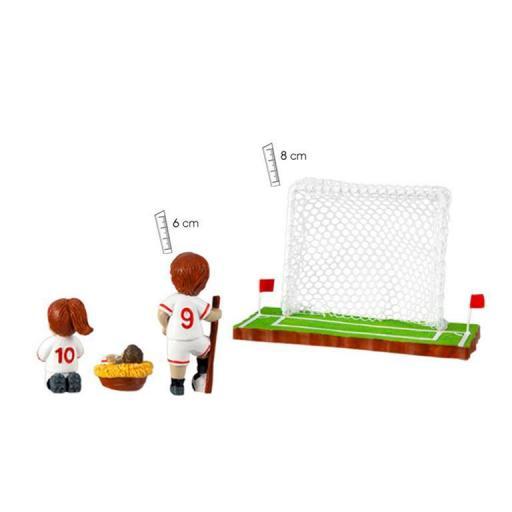 belen-futbol-equipacion-blanca-filo-roja-cesped-porteria-detras-numero-espalda-javier-18-455-1-lomejorsg.jpg [1]