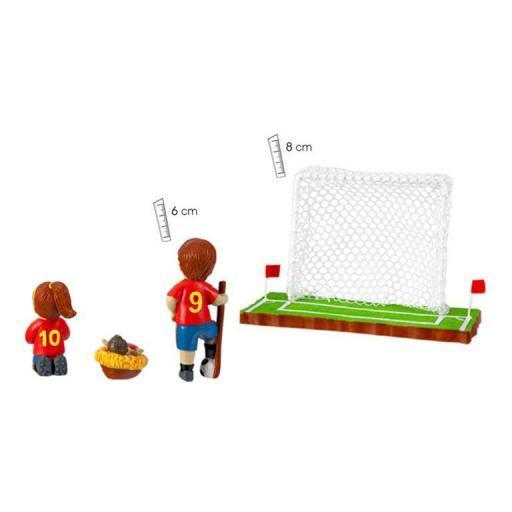 belen-futbol-equipacon-roja-pantalon-azul-seleccion-española-detras-numero-espalda-javier-18-460-1-lomejorsg.jpg [1]