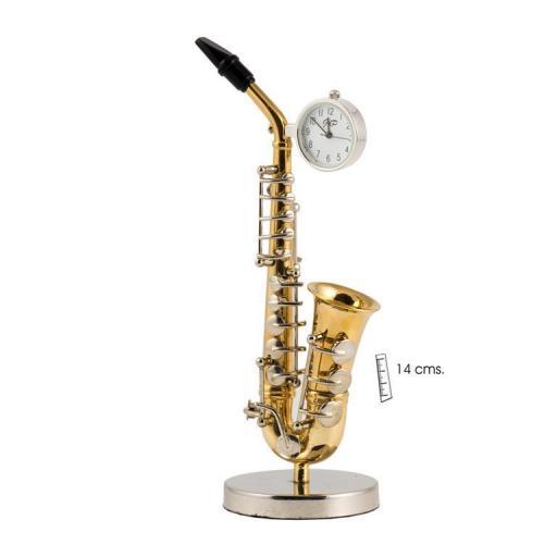 reloj-sobremesa-saxo-dorado-musica-javier-19-624-lomejorsg.jpg