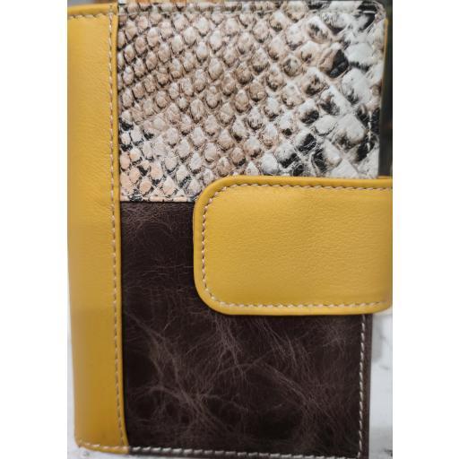cartera-piel-mujer-mostaza-marronchocolate-pielserpiente-concierre-tarjetero-monedero-portafoto-billetera-ubrique-lomejorsg.jpg