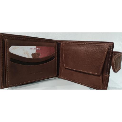 carterapiel-caballero-ubrique-marron-bicolor-con-cierre-corteamericano-tarjetero-monedero-lomejorsg-interior.jpg [2]