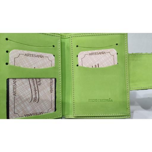 carterapiel-mujer-verde-ubrique-pielserpiente-monedero-tarjetero-lomejorsg-interior.jpg [2]