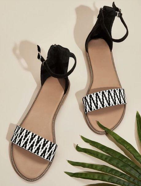 Sandalias de punta abierta con tira tobillera de color combinado