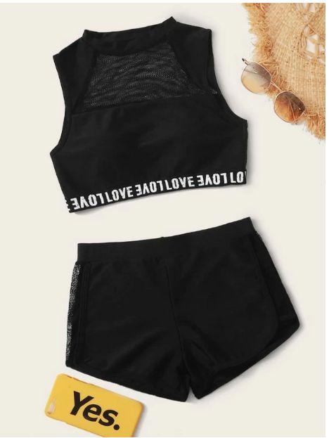 Bikini top con malla en contraste con cinta con letra con shorts