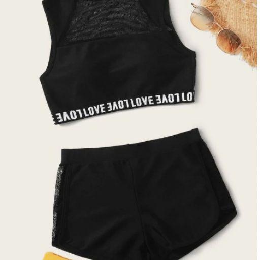 Bikini top con malla en contraste con cinta con letra con shorts [0]
