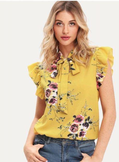 Blusa de flores con lazo en el cuello