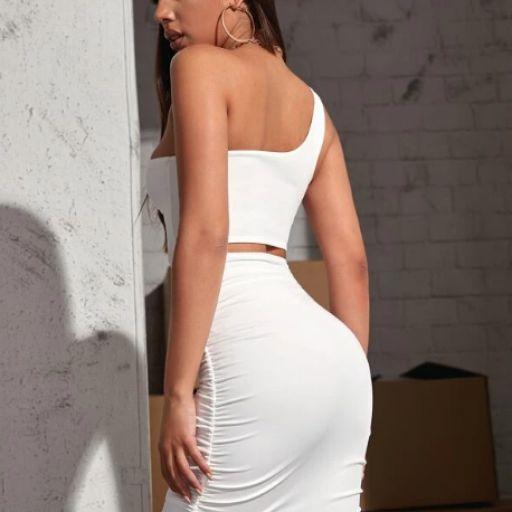 Vestido fruncido con diseño de abertura con un hombro [1]