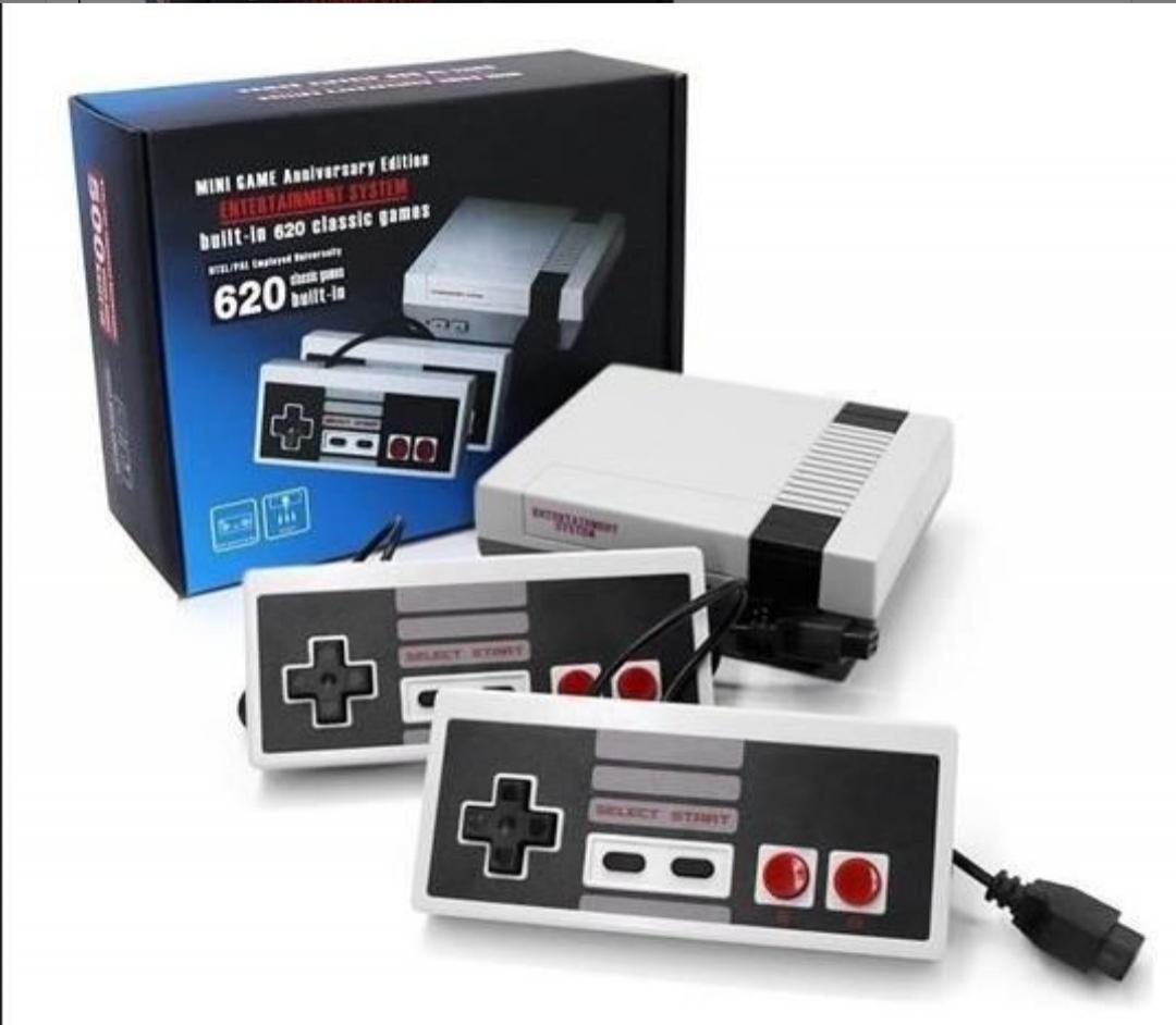 Mini consola 300 juegos clásicos de 8 bits.