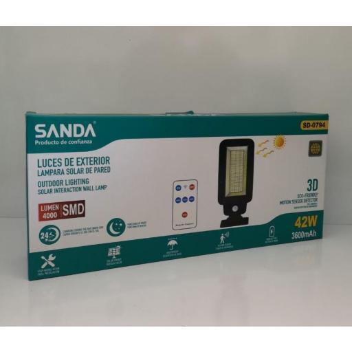 Lámpara solar de pared . Sensor de movimiento y mando. 42w.4 000 lúmenes.