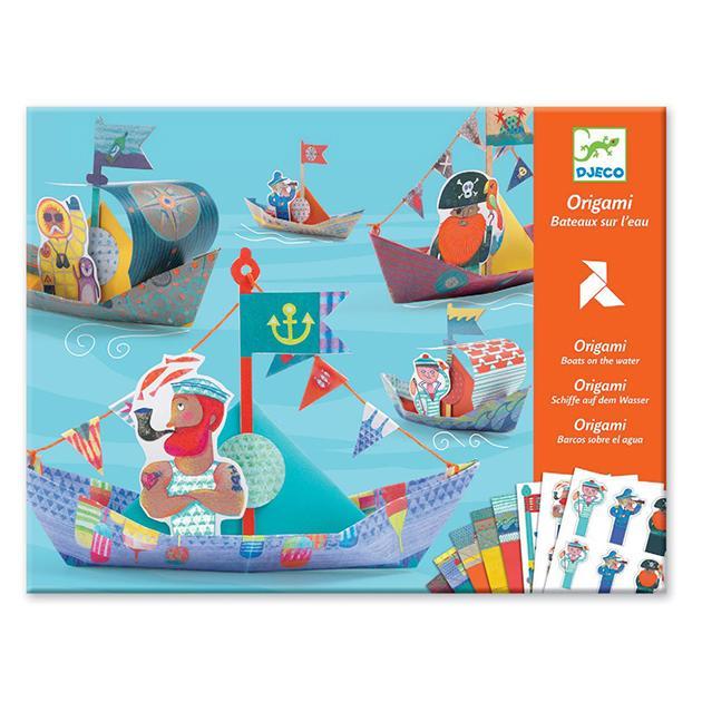 Origami. Barcos sobre el agua