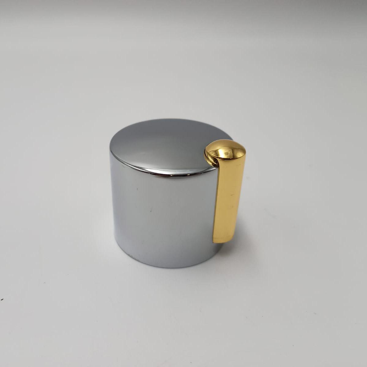 500006112 Mando Golden