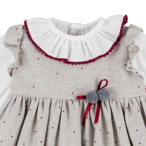Vestido de niña en topitos rojos [1]