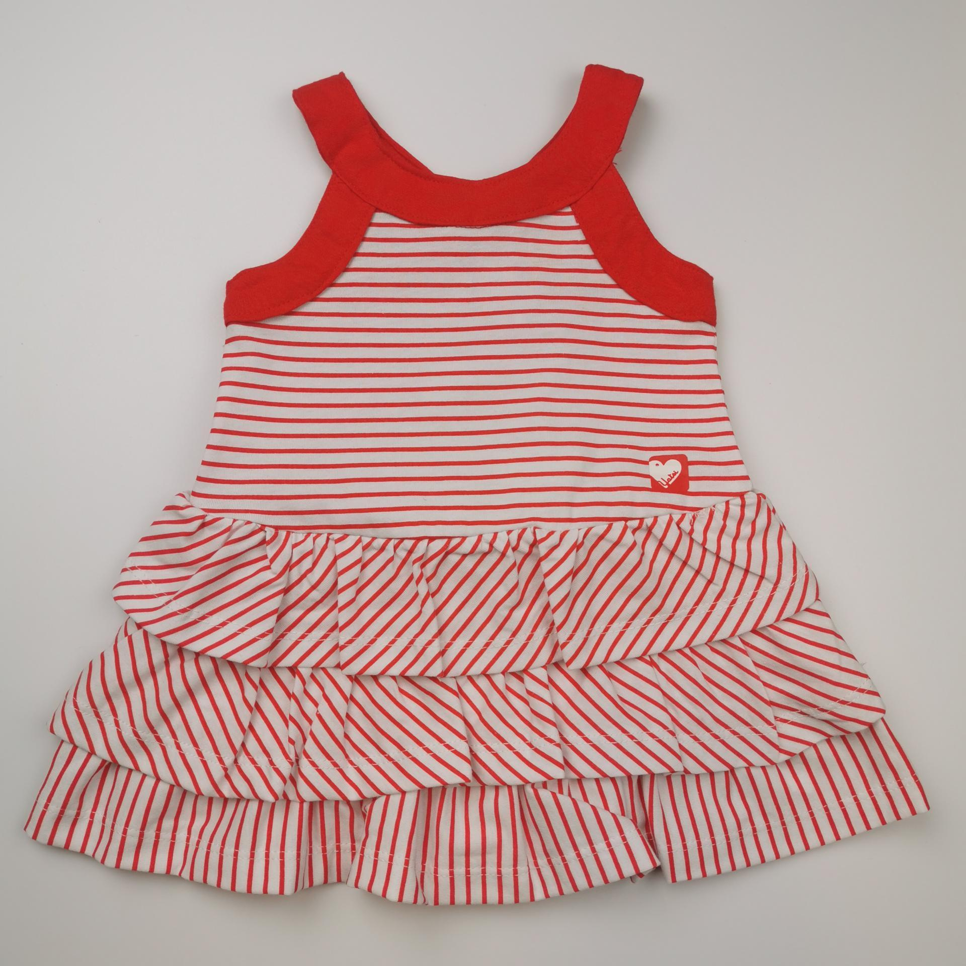Vestido de rayas rojas