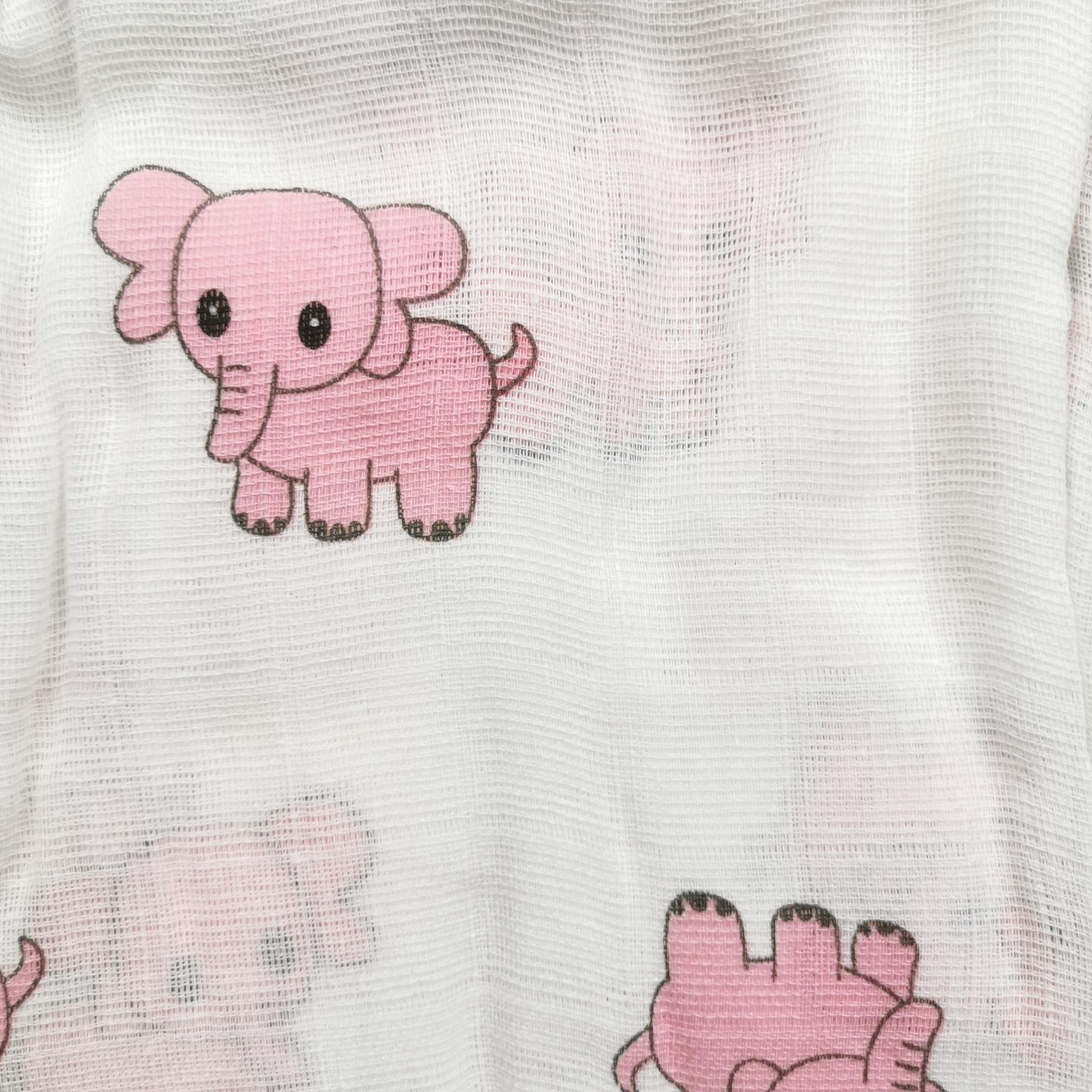 Muselina de elefantes rosas