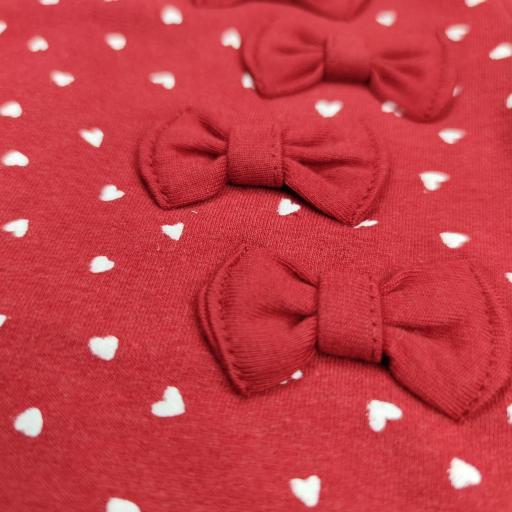 Vestido afelpado de niña en rojo con corazones. [2]