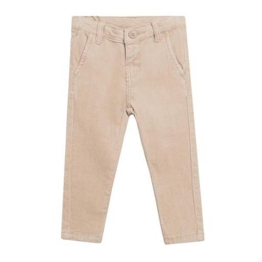 Pantalón de micropana en color camel para niño.