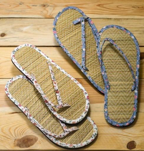 Flip flop florecitas y bambú