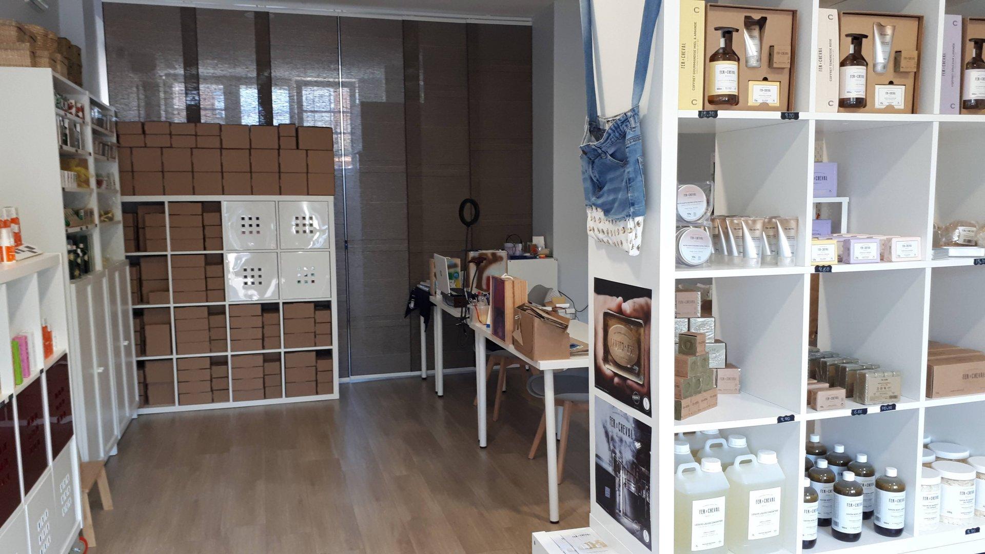 Más espacio y escaparates para facilitar la compra