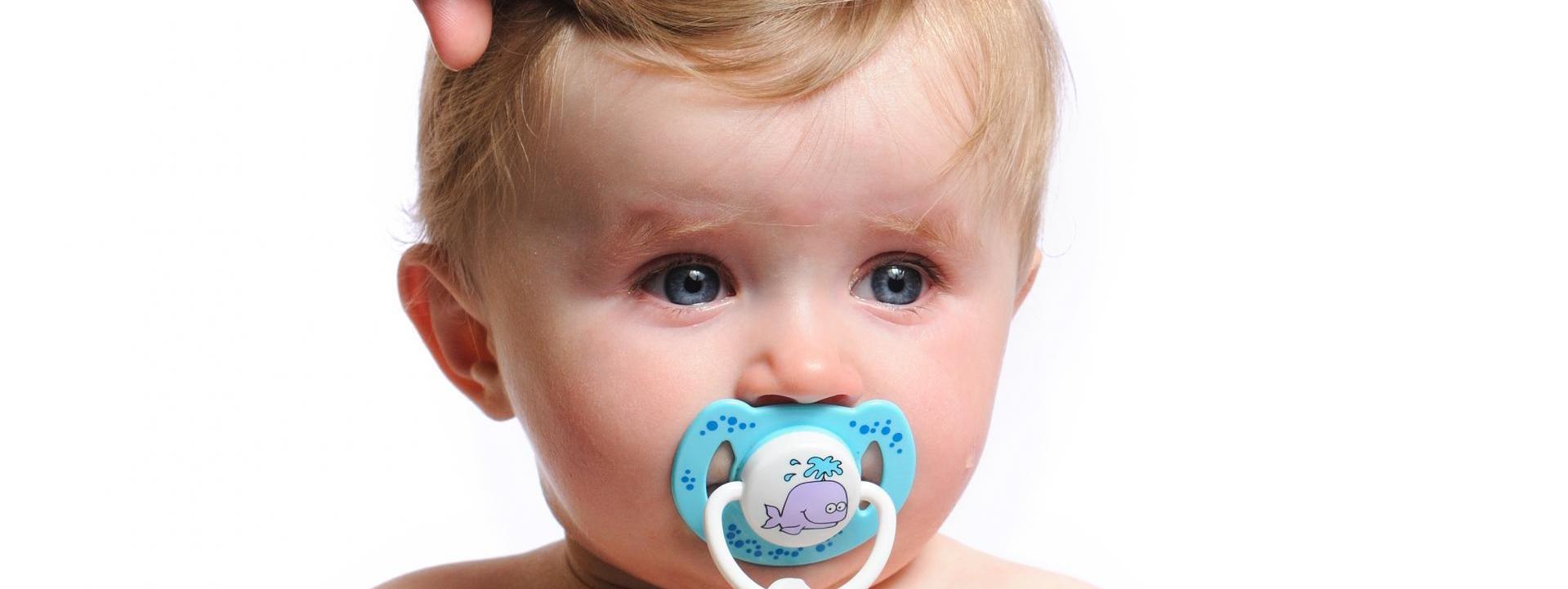 ¿Porqué es importante la primera revisión oftalmológica de tu bebé?