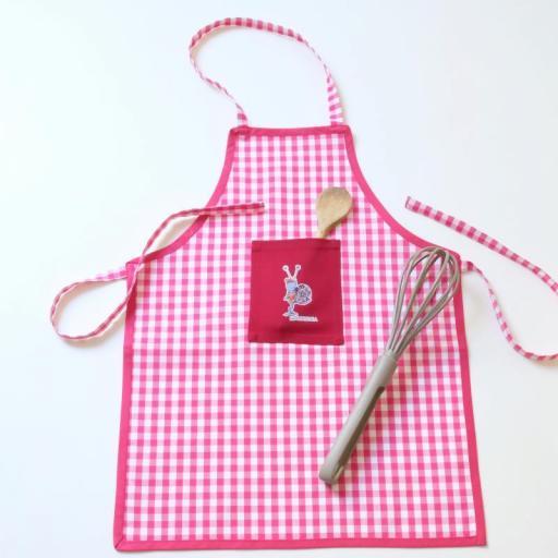 tablier-a-carreaux-rouge-et-blanc-pipilet-mandala-fabrication-artisanale-francaise