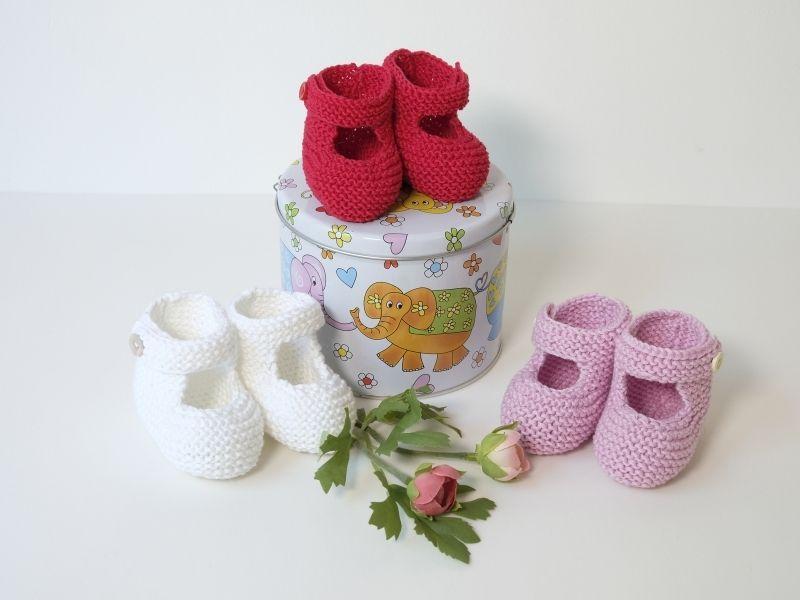 Chaussons bébé à bride boutonnée
