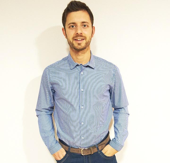 Camisa azul rayas blancas