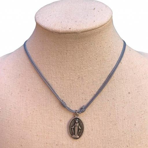 Collar Bambola - Virgen Gris