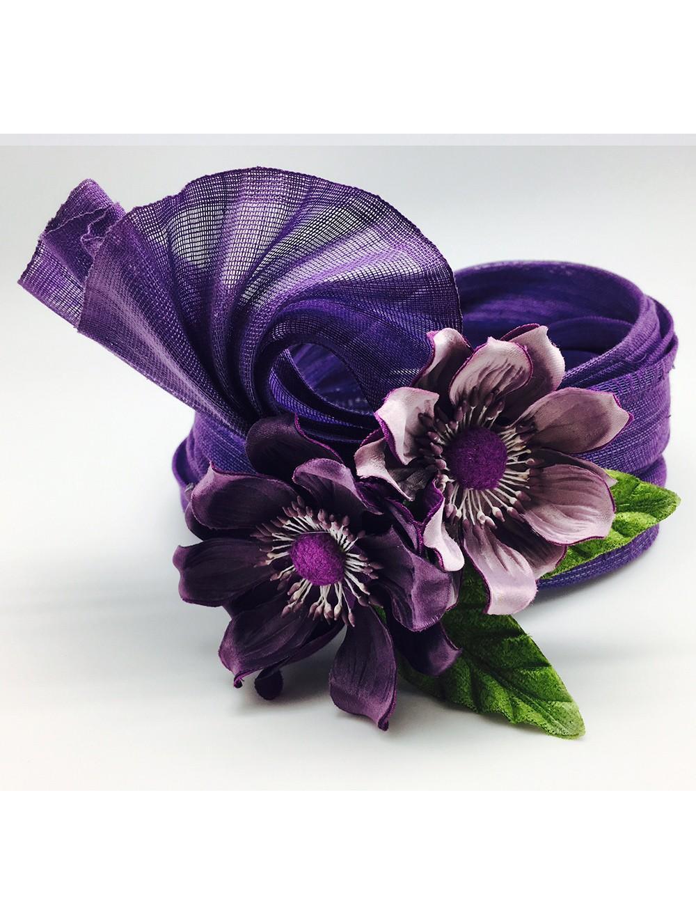 Turbante sinamay seda con decoración floral