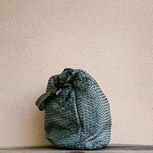 Bolso medio piel trenzado azul claro [1]