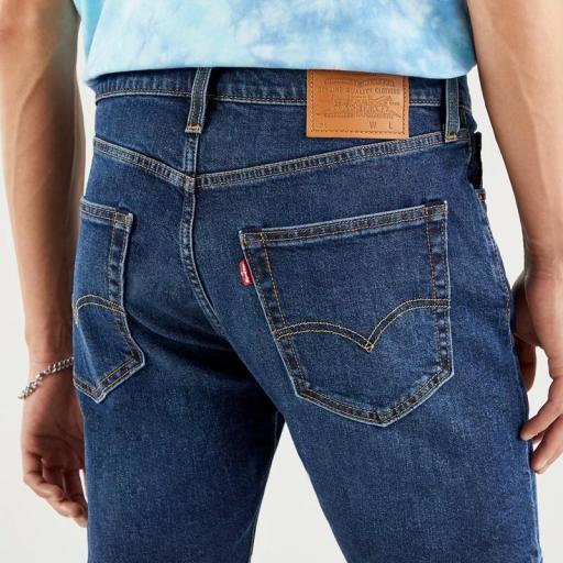 Levi's 412 Slim Shorts 39387 0021. Vaquero corto hombre [2]