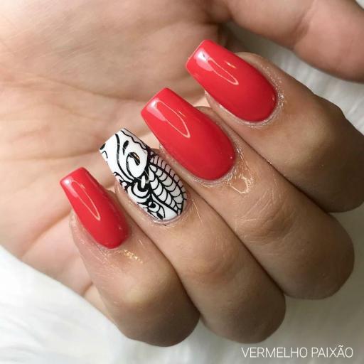 Esmalte Inocos *Vermelho paixão* [1]