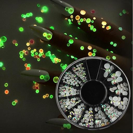 Rueda con brillantes fluorescentes