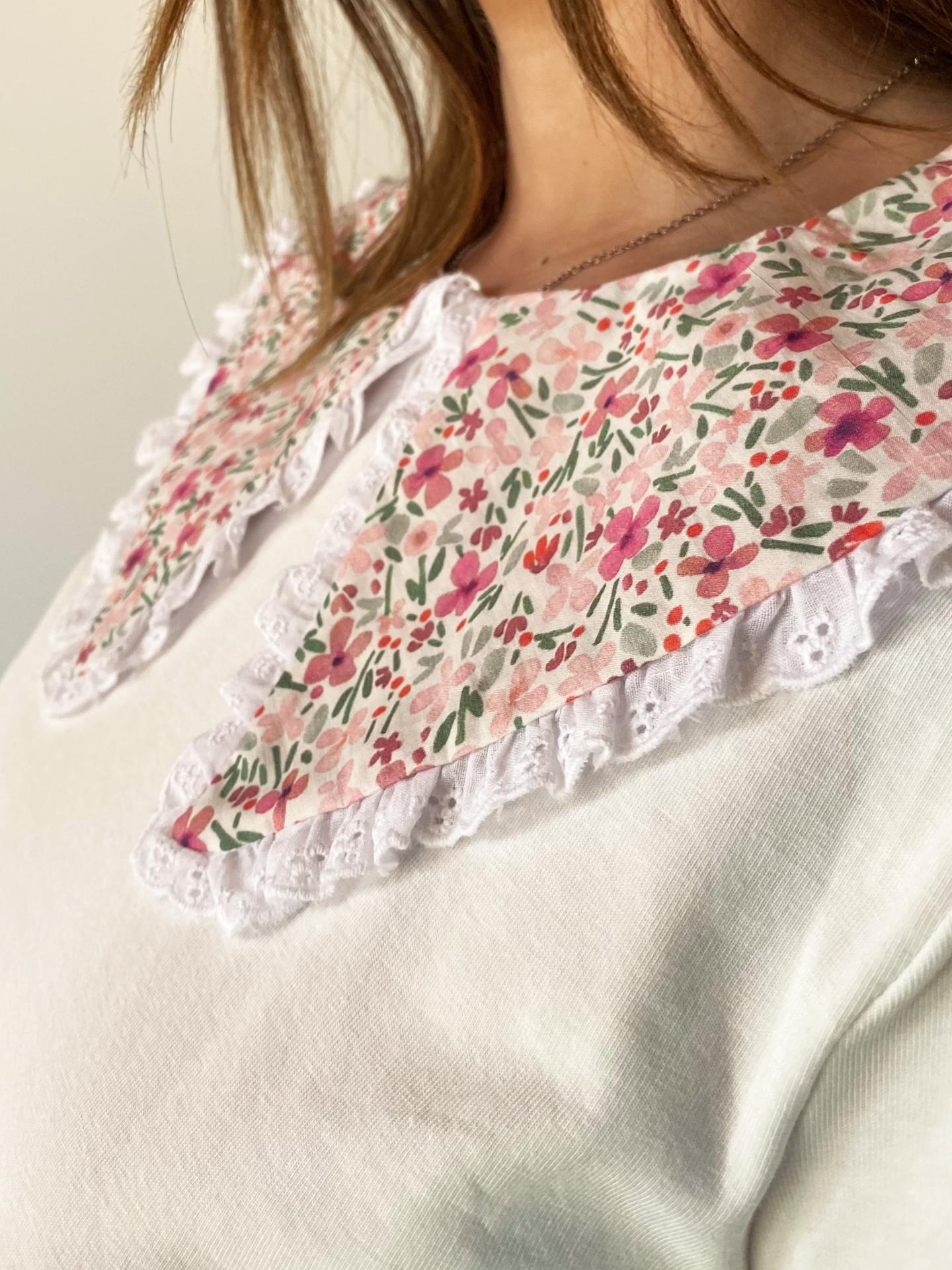 Camisa Cuello Flores