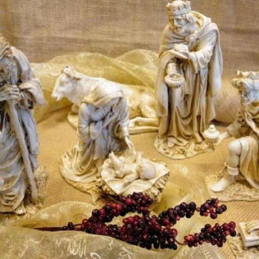 NACIMIENTO CON REYES MAGOS            (Monasterio Nuestra Señora de la Sierra)