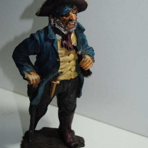 Figura pirata de resina
