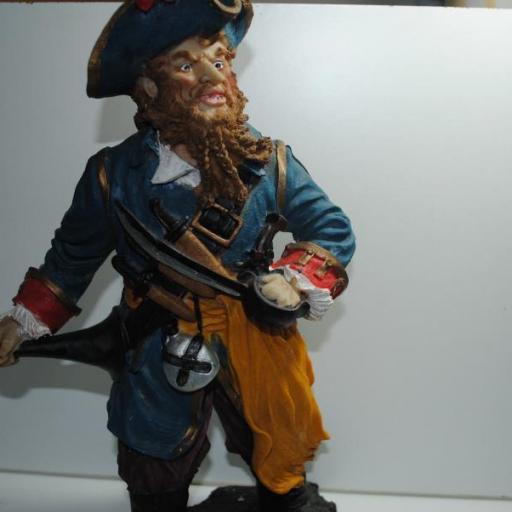 Personaje pirata de resina