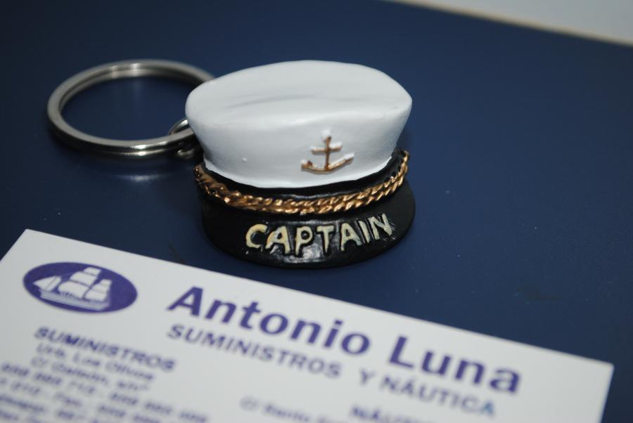 LLavero gorra Capitán.