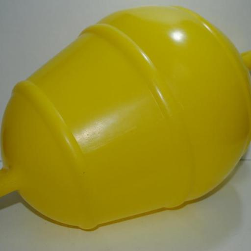 Boya rígida tipo pera amarilla