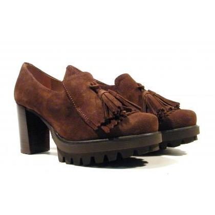 Pedro Miralles Zapato de tacón con flecos y borlas  [1]