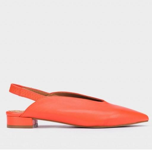 Bailarina piel naranja de Pedro Miralles